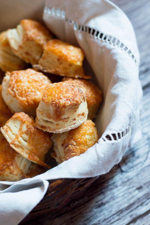 Gyors sajtos pogácsa, kelesztés nélkül