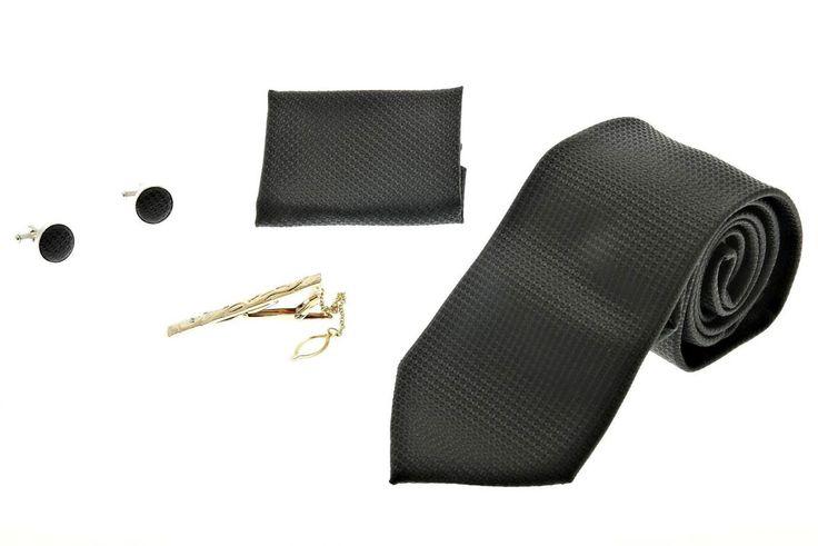 cravate modèle en noir
