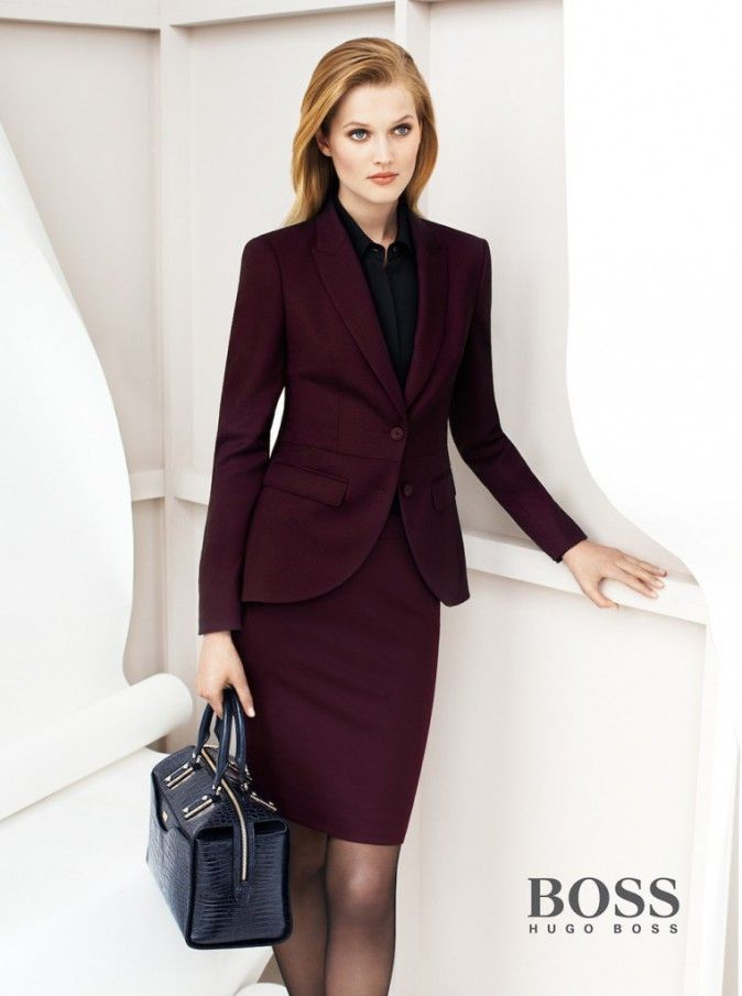 Amazing Burgundy Colored Outfit From Raquel Allegra Will Definitely Make You