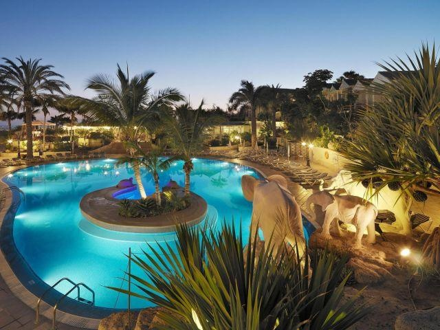 Gran Oasis Resort Apartments in Tenerife, Spain. Are those elephants by the pool?