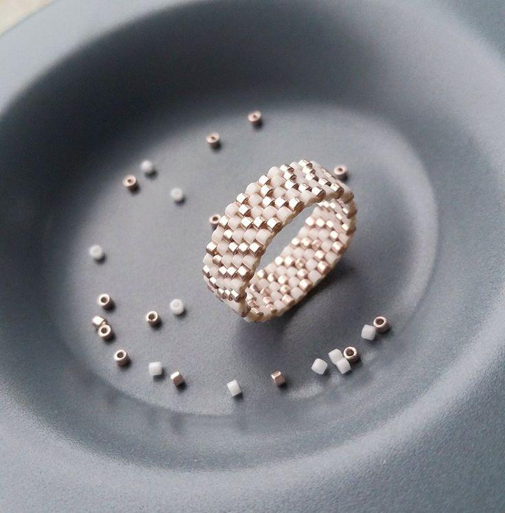 Bague en perles miyuki delicas : Bague par les-bijoux-colores