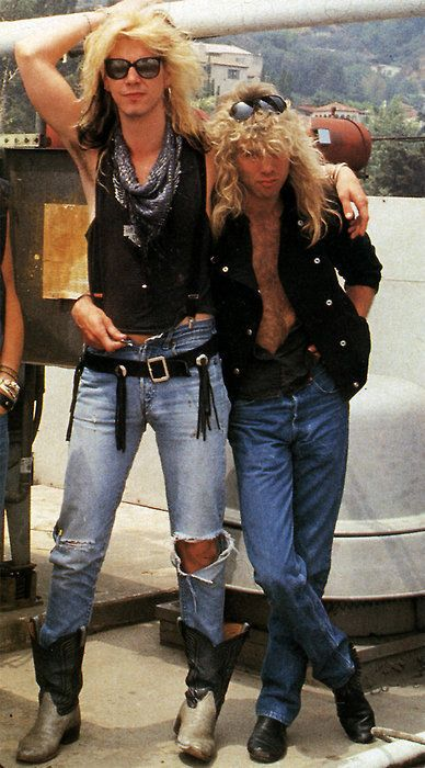 Duff McKagan and Steven Adler Either Duff is really tall or Steven is super short