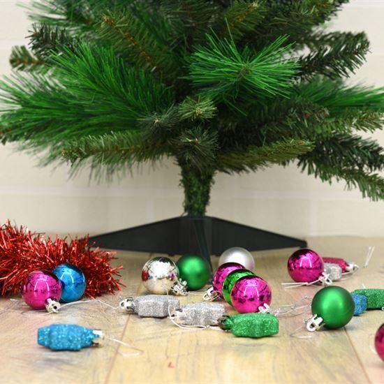 Choosing an Eco-Friendly Artificial Tree   Artificial tree ...
