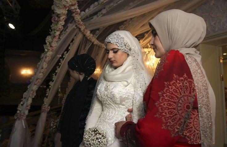 Cecenia: il matrimonio forzato di Kheda, sposa triste a 17 anni
