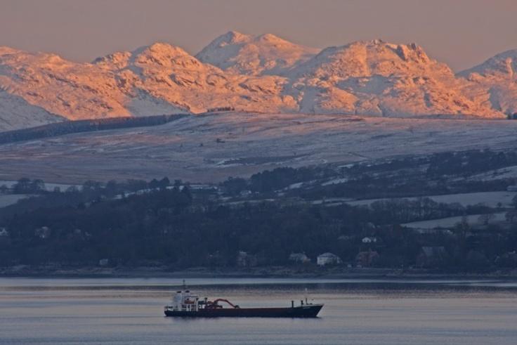 'River Clyde - early arrival' - Ronald McFadyen