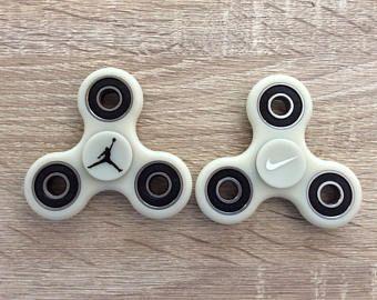 25 Unique Spinner Toy Ideas On Pinterest Fidget Spinner