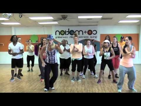 """""""CAN'T HOLD US"""" by Macklemore - Choreo by Lauren Fitz (WARM UP ROUTINE)"""