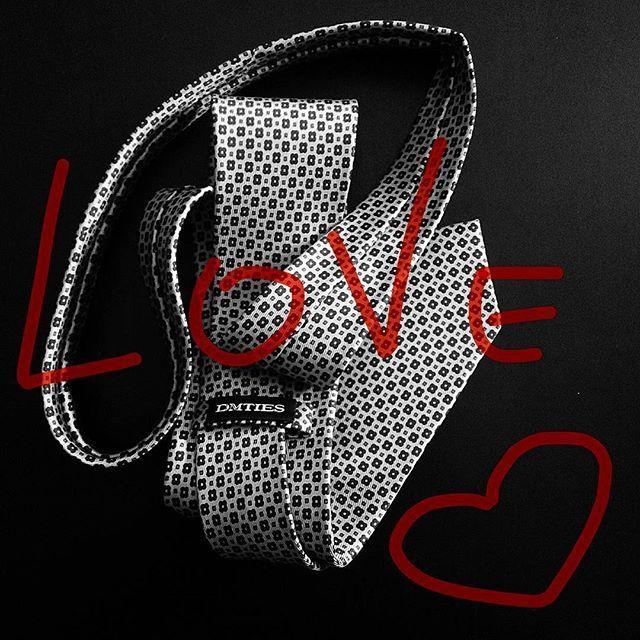 Love Love Love ❤ #dmties #love #ties #menswear #mensaccessories #mensfashion #womeninsuits #womenswear #fashion #fashionpost #classicmen #classy #golook #madeinitaly #handmade #blackandwhite #inspiration #instafashion #photooftheday #pictureoftheday #instalook