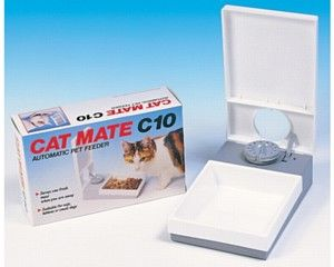 Auto cat feeder.