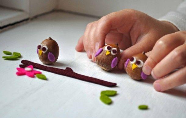 Inspirerend | Cute decoratie! Eikeltjes worden uiltjes. Door Berbro