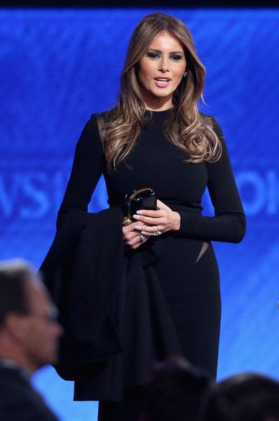 Melania Trump Photos - Republican Candidates Debate in New Hampshire Days Before State's Primary - Zimbio