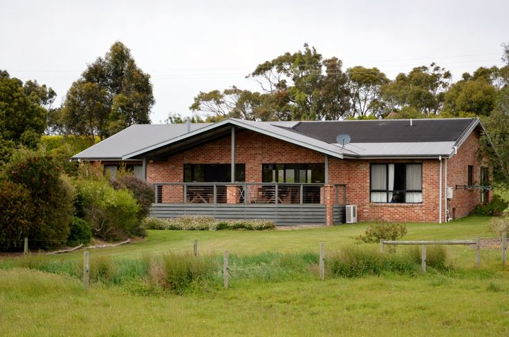 Prom Coast Holiday Lodge is located near Wilsons Prom National Park providing echo friendly Group Accommodation and Cottages http://www.promcoastholidaylodge.com.au