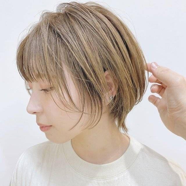 くせ毛のぽっちゃりさんこそ似合う おすすめの髪型5選 ショート編 4meee 髪型 くせ毛 ショートカット