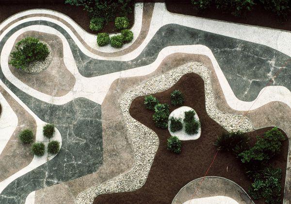I giardini di Roberto Burle Marx, Brasile, 1909-1994 Roberto Burle Marx, veduta aerea del giardino pensile, Banco Safra, São Paulo.