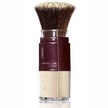 "Esprit cosmetics: Puderpinsel - Beauty-Trend: Mineral Make-up - Mineral Make-up © Esprit cosmetics Atmungsaktiver mikrofeiner loser Puder aus 80% Mineralien. ""Natural Care Brush On Powder"" von Esprit cosmetics (über dm), 13,95 Euro..."