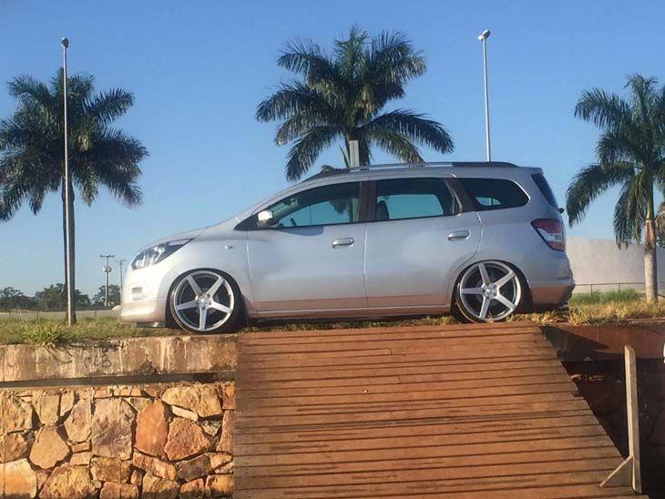 Carro: Chevrolet Spin Cor: Prata Marca da Roda: Volcano Wheels Modelo da Roda: Sunset Marca do Pneu: Nankang Pe