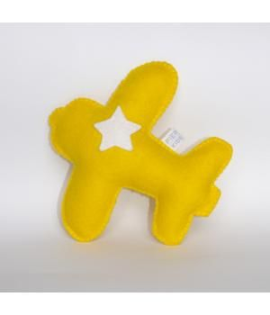 Yellow airplane with white start. Made of wool felt by Piep Kids www.metdehand.nl
