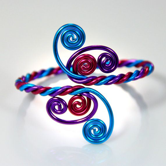 Twisted Spirals Adjustable Bracelet van melissawoods op Etsy