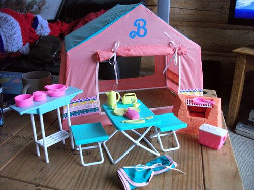 vintage barbie western fun camping play set barbie tent and accessories ebay childhood. Black Bedroom Furniture Sets. Home Design Ideas