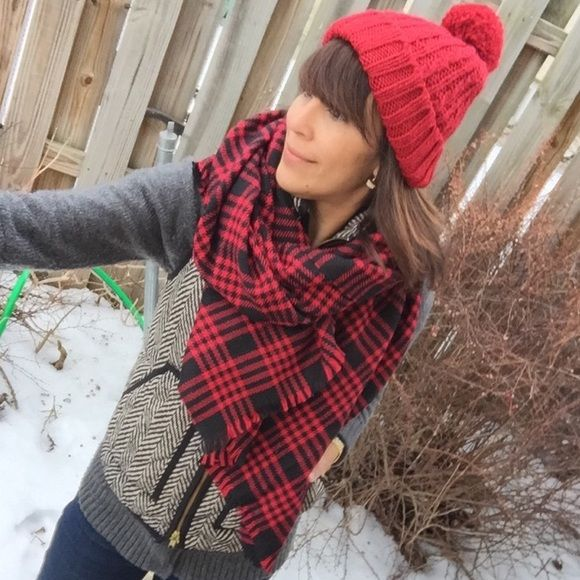 """Gingham blanket scarf Plaid or gingham are here to stay. Well beyond winter gear. Raw edges acrylic blends. NWOT. Rectangular shape; soft and plush 72""""x 32"""" Boutique Accessories Scarves & Wraps"""