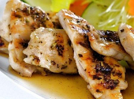 Peito de Frango Grelhado no Grill na Mostarda - Veja mais em: http://www.cybercook.com.br/receita-de-peito-de-frango-grelhado-no-grill-na-mostarda.html?codigo=18797