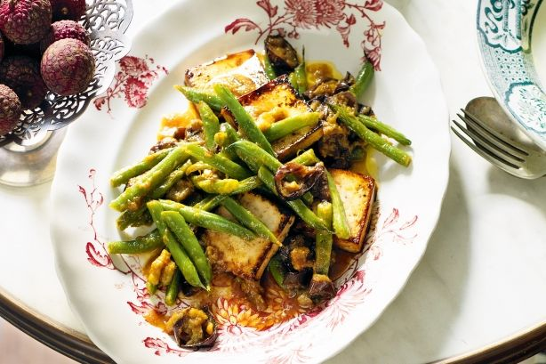 Fire up your tastebuds for this spicy marinated tofu and vegie stir-fry.