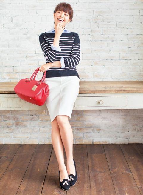 ×白デニスカのコーデに赤バッグを差して、小忰に | ファッション コーディネート | with online on ウーマンエキサイト