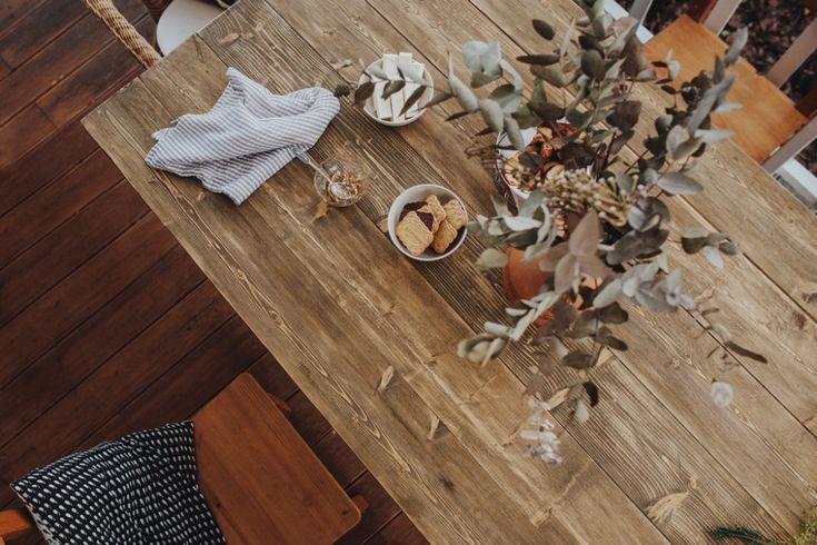 Какую мебель сочинцы делают своими руками?