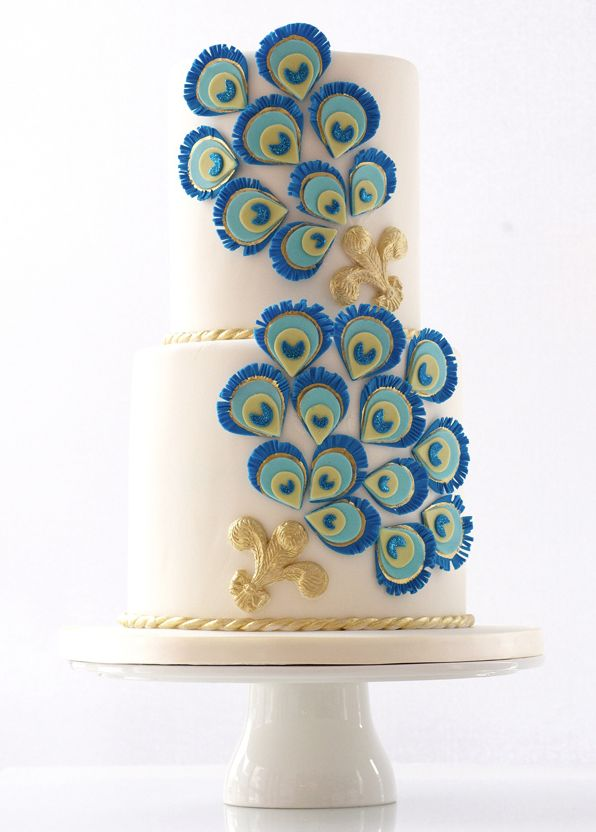 Featured Wedding Cake: Le Dolci Cupcakes and Cakes; Editor's Pick: Wedding Cakes with Creative New Designs. To see more: http://www.modwedding.com/2014/09/07/editors-pick-wedding-cakes-creative-new-designs/ #wedding #weddings #wedding_cake Featured Wedding Cake: Le Dolci Cupcakes and Cakes