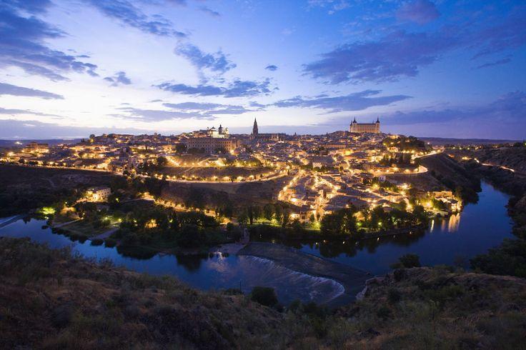 El perfil de Toledo sobre el río Tajo: