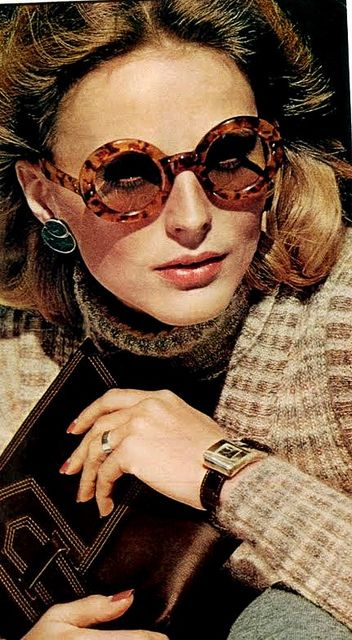 Super round sunnies in Vogue August 1973 - Photo by Bob Stone- Round Sunglasses never go out