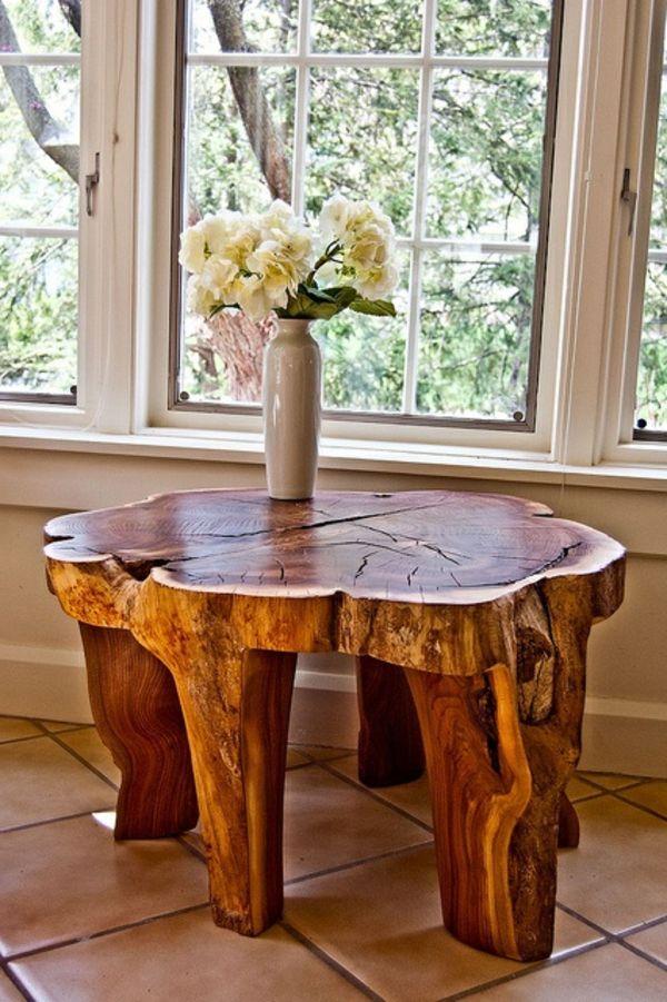 Baumstamm Tisch Neben Dem Fenster