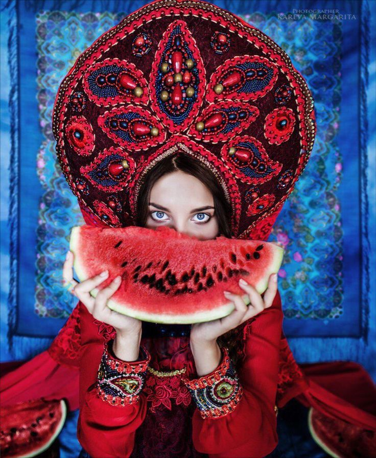 Костюмы и украшения ручной работы Любови Михалевой. Фактура цвета. Настроение. Идеи.