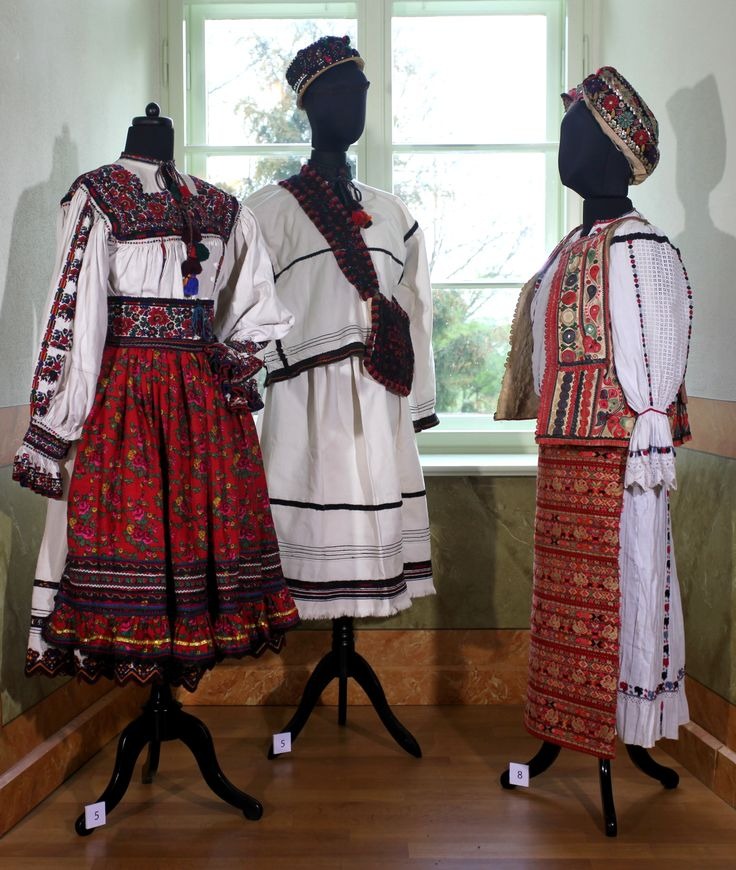 Left + Middle: Romanian pair from Negresti Oas, Romania - Right: Croat from the Drava, South Hungary. The first institutional exhibition of the collection Judit Pompéry presented by the Fashion Museum of Schloss Meyenburg http://www.modemuseum-schloss-meyenburg.de/