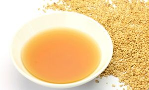 Oil for tooth whitening and health