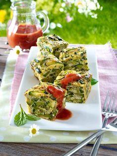 Zucchini gibt es das ganze Jahr über. Vor allem aber im Sommer schmecken Zucchini Rezepte besonders gut.