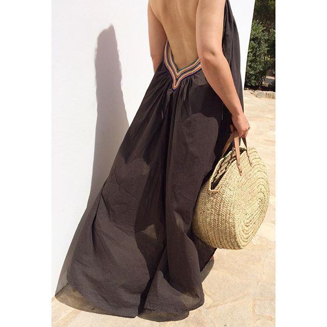 Neues Lieblingskleid aus Ibiza und Korbtasche von Tine K Home, welche Ihr bei uns im Shop findet.