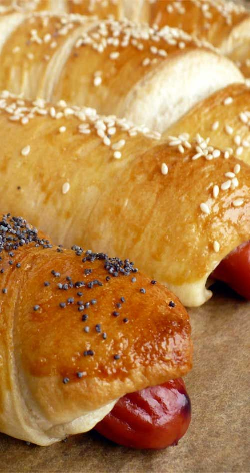 Recipe for Homemade Bagel Dogs - Sure, the process of making bagel dogs from scratch might seem a little unnecessary considering the all the frozen varieties in every grocery store, but believe me when I say, there is no substitute for the real thing.