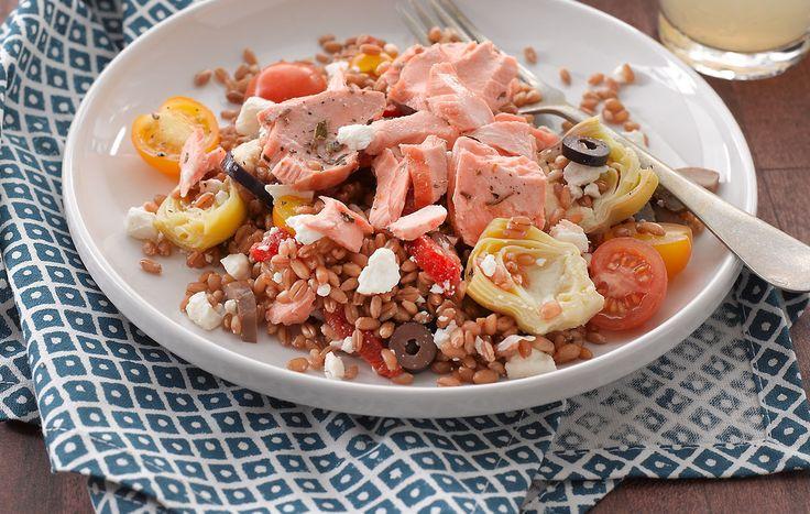 Salade méditerranéenne au saumon et aux grains de blé