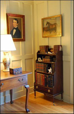 Sweet, little bookcase and a quiet corner