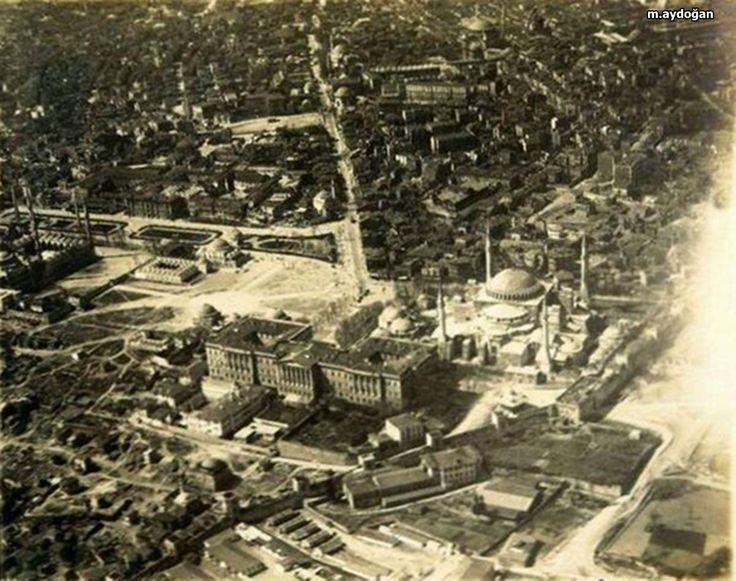 Sultanahmet, Eski Darülfünun binası ayakta iken gökyüzünden çekilen bir fotoğraf..
