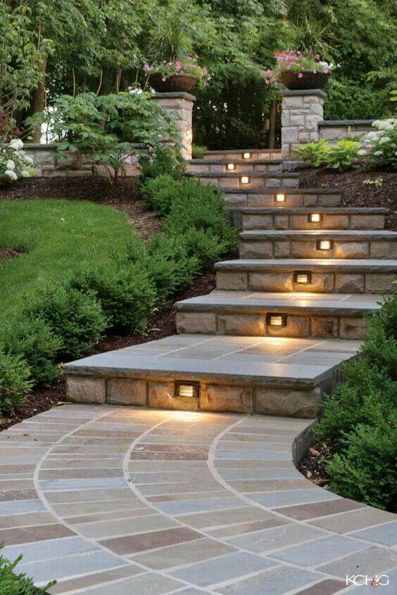 Best Lighted Steps Садовые Идеи Двор На Склоне Садовые Дорожки 400 x 300