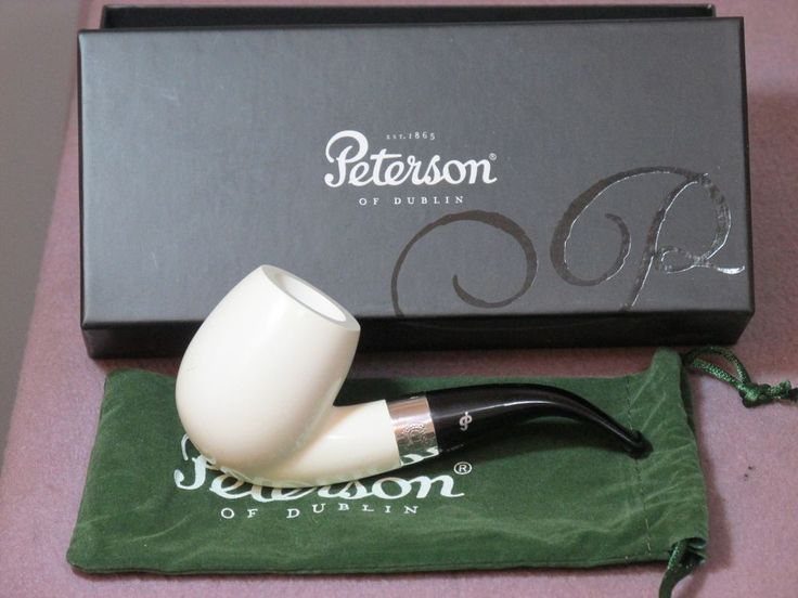 "NEW IN BOX PETERSON'S SHERLOCK HOLMES MEERSCHAUM PIPE w STERLING BAND & ""P"" LOGO"