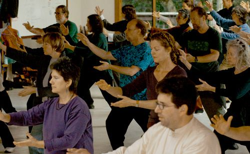 Jane Golden's Tai Chi and QiGong - Jane Golden teaches on-going classes throughout Sonoma County. These 1 1/2 hour sessions include: instruction of slow Tai Chi Chuan, Fast Tai Chi Chuan, and push hands. All levels are welcome and new students may join at the beginning of each month. With practice, one can expect increased vitality, enhanced serenity, and improvement of balance, posture, circulation and focus.