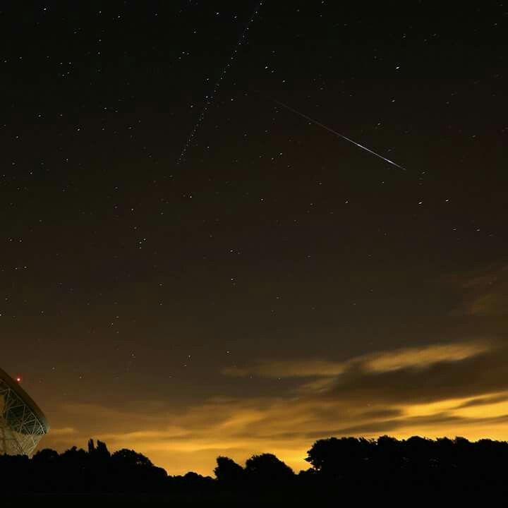 Pioggia di meteoriti nei cieli del Regno Unito.  (Photo by Christopher Furlong/Getty Images)