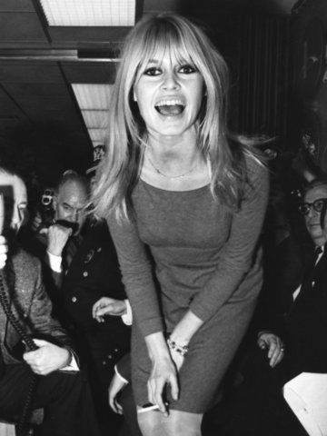 Brigitte Bardot. simple sheath dress.