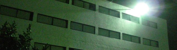 UAM, vista nocturna de JPP, imagen de Letras abiertas | Blog del taller de letras de la Universidad Americana de Morelos