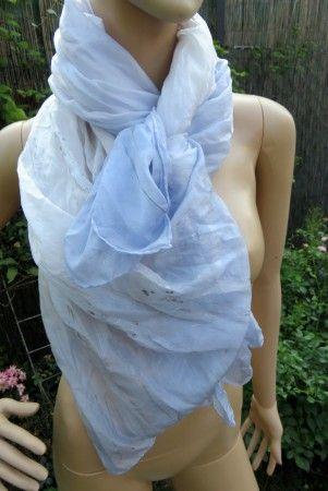 hodvábný šál LAVANDEL - 180x90cm, jemná fialovomodrá a biela, doplnená striebornou kontúrou, ponge5, cena:40,-€, ihneď k odberu