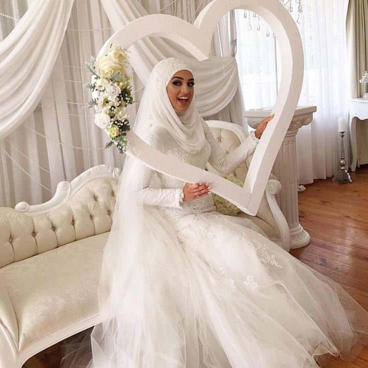 Mabrouk to the bride! @hiddenbeautydesigns #thehijabbride #modestbride #modestfashion #muslimbride #muslimfashion