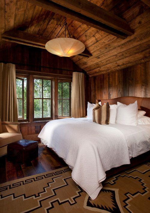 Best 25 rustic cabin master bedroom ideas on pinterest for Upstairs bedroom designs